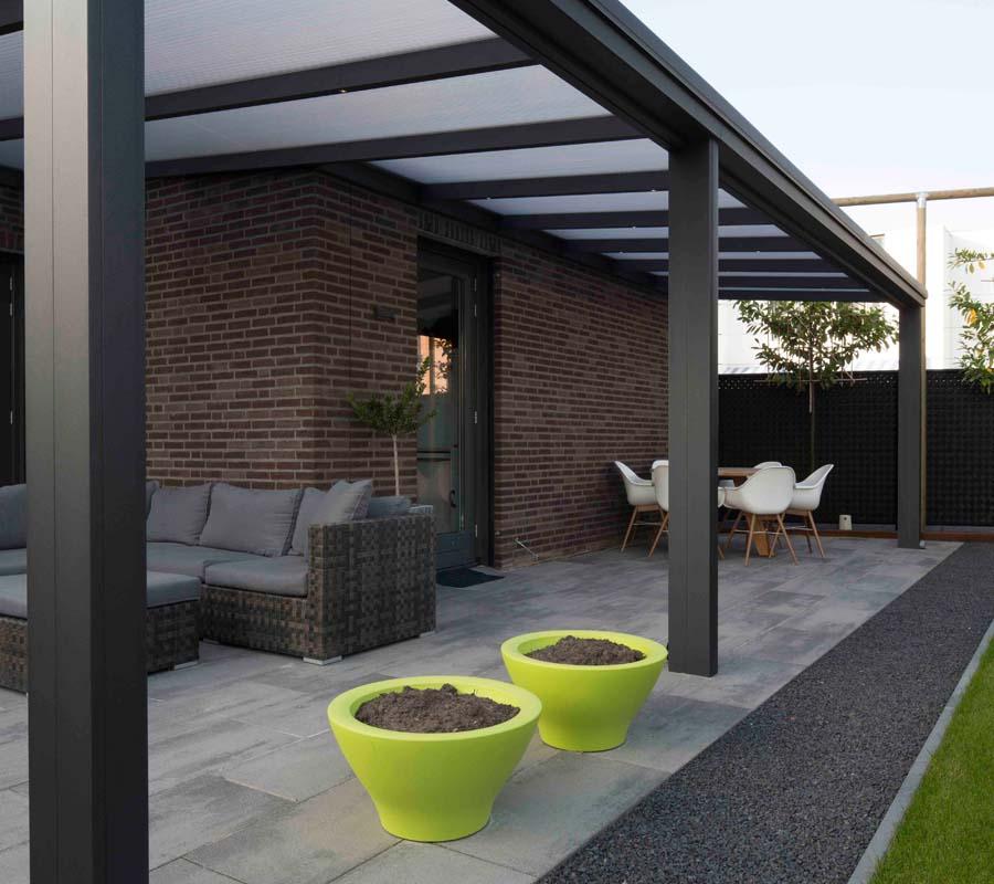 Selectie foto terrasoverkappingen en tuinkamers